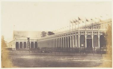 Vedere laterală a Crystal Palace în 1851 - foto: ro.wikipedia.org