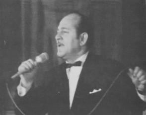 Dona Dumitru Siminică (n. 1926, Târgoviște — d. 27 noiembrie 1979, București), solist vocal român, provenit dintr-o familie de muzicieni și lăutari - foto (Dona Dumitru Siminică în anul 1976): ro.wikipedia.org