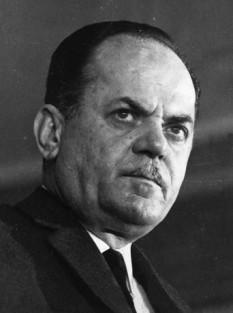 Georgios Papadopoulos (n. 5 mai 1919 – d. 27 iunie 1999), liderul loviturii de stat militare ce a avut loc în Grecia la 21 aprilie 1967, și conducător al guvernului militar care a condus țara între 1967 și 1973 - foto: greek-islands.us