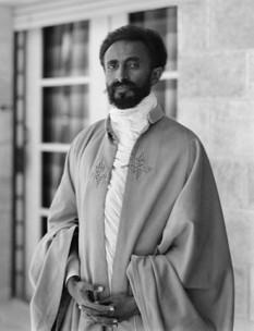 Haile Selassie I (Tafari Makonnen Woldemikael; n. 23 iulie 1892 - d. 27 august 1975), denumit de către rastafarieni Haile Selassie (Regele regilor și Lordul lorzilor), împăratul Etiopiei între 1930-1935 și 1941-1974. foto: ro.wikipedia.org
