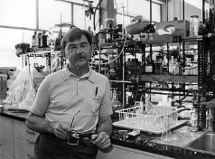 Henry Taube (n. 30 noiembrie 1915; d. 16 noiembrie 2005), chimist american, laureat al Premiului Nobel pentru chimie (1983) - foto: ro.wikipedia.org