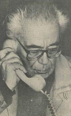 Mihai Șora (n. 7 noiembrie 1916, Ianova, județul Timiș), filosof și eseist român. Din 24 octombrie 2012 este membru de onoare al Academiei Române foto (Poză publicată în 1990 în Revista 22.): ro.wikipedia.org