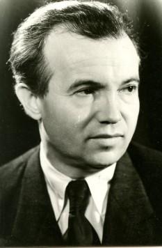Mihai Beniuc (n. 20 noiembrie 1907, Sebiș, Arad - d. 24 iunie 1988) , poet, prozator și psiholog român - foto: ro.wikipedia.org