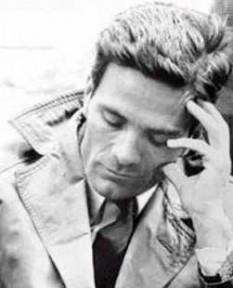 Pier Paolo Pasolini (n. 5 martie 1922 – d. 2 noiembrie 1975), intelectual italian de stânga, considerat a fi printre cei mai mari artiști și intelectuali italieni ai secolului al XX-lea foto: ro.wikipedia.org