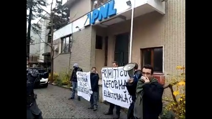 Protest 25 noiembrie 2015 - foto (captura) bambuser.com