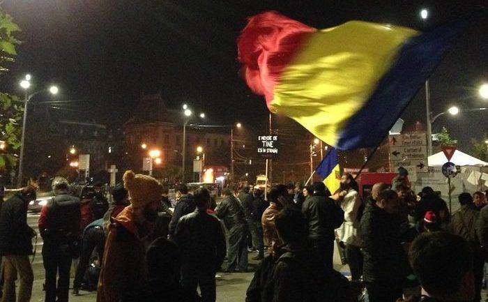 Proteste 9 noiembrie 2015, Bucuresti, Piata Universitatii - foto: Vitalie Brega