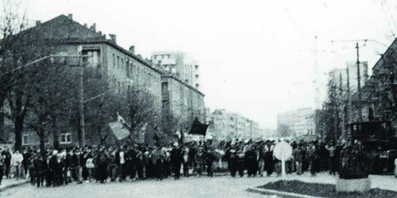 Revolta anticomunistă de la Brașov (15 noiembrie 1987) - foto preluat de pe memorialsighet.ro