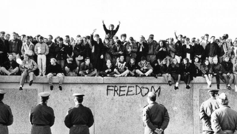 Zidul Berlinului - foto: historia.ro
