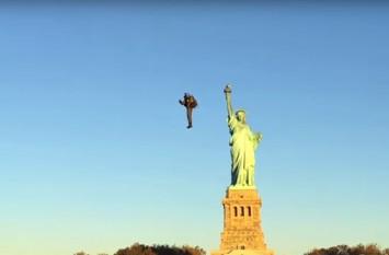 A zburat cu jetpack-ul în jurul Statuii Libertăţii - foto: gadgetreport.ro