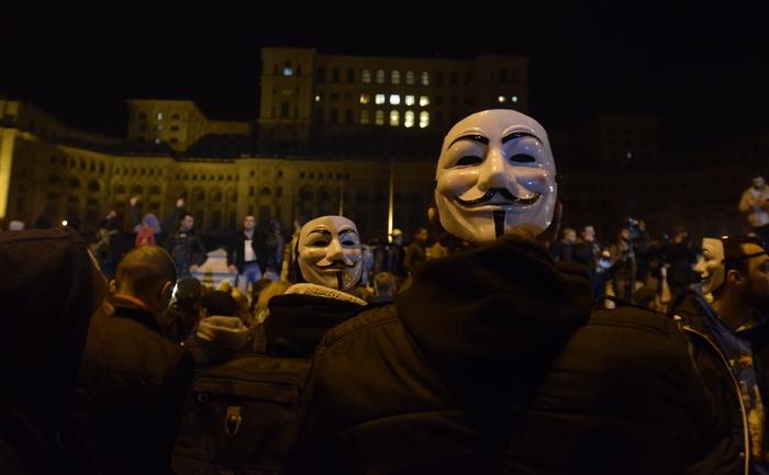 Proteste 4 noiembrie 2015; Palatul Parlamentului foto: Epoch Times România
