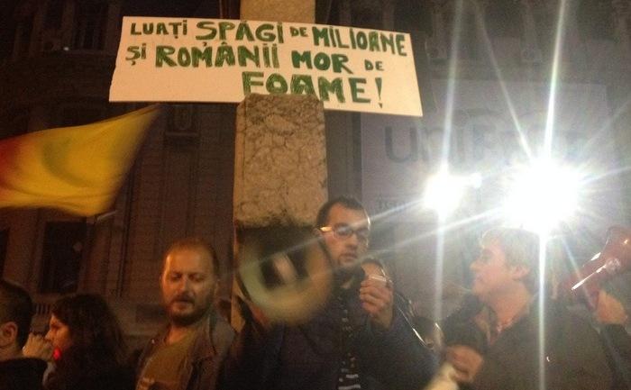 Proteste 4 noiembrie 2015; Bucuresti, Piata Universitatii foto: Epoch Times România