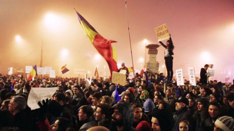 Proteste 6 noiembrie 2015, Bucuresti, Piata Universitatii - foto (captura video): Sergiu Nicolae Brega