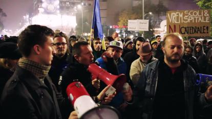 Protest (Forum) Bucuresti, Piata Universitatii, 7 noiembrie 2015 foto (captura): youtube.com