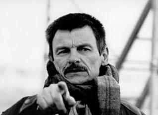 Andrei Arsenievici Tarkovski (n. 4 aprilie 1932, Zavrajie, Regiunea Kostroma, Rusia sovietică - d. 29 decembrie 1986, Neuilly-sur-Seine, lângă Paris, Franța), regizor, actor și scriitor rus. Este considerat unul dintre cei mai influenți cineaști ai erei sovietice și ai întregii istorii a cinematografiei - foto: ro.wikipedia.org
