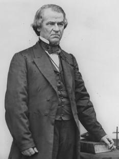 Andrew Johnson (n. 29 decembrie 1808 – d. 31 iulie 1875), cel de-al șaisprezecelea vicepreședinte (1865) și cel de-al șaptesprezecelea președinte al Statelor Unite ale Americii (1865 – 1869), succedând la președinția Statelor Unite după asasinarea celui de-al șaiprezecelea președinte american, Abraham Lincoln - foto: ro.wikipedia.org