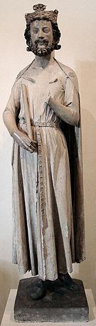 Childebert I (Rheims, c.496 – 13 decembrie 558) a fost regele franc al Parisului, făcând parte din Dinastia Merovingiană, unul dintre cei patru fii ai lui Clovis I care și-au împărțit regatul francilor la moartea tatălui lor în 511. A fost unul dintre fiii Sfintei Clotilda - foto (Statuia lui Childebert): ro.wikipedia.org