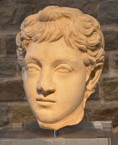 Marcus Aurelius Commodus Antoninus  (n. 31 august 161 – d. 31 decembrie 192), împărat roman din 180 până în 192 - foto: ro.wikipedia.org