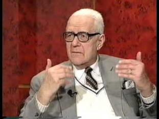 Dan Amedeo Lăzărescu (n. 30 noiembrie 1918, București - d. 6 decembrie 2002, București), scriitor, traducător de limbă engleză și om politic român, fost deținut politic în perioada comunistă, membru al Partidului Național Liberal, deputat în legislatura 1990-1992 și senator de Timiș în legislatura 1996-2000 - foto: captura youtube.com