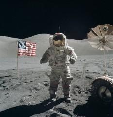 14 decembrie 1972: Eugene Cernan este ultima persoană care a pășit pe Lună, după ce el și Harrison Schmitt și-au încheiat missiunea cu Apollo 17 - foto: ro.wikipedia.org