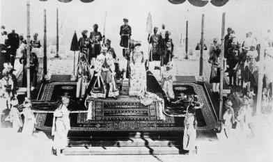 12 decembrie 1911: Regele George al V-lea și regina Mary de Teck sunt încoronați împărat și împărăteasă a Indiei - foto: ro.wikipedia.org