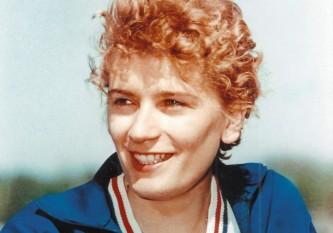 Iolanda Balaș Sőtér (în maghiară Balázs Jolán) (n. 12 decembrie 1936, Timișoara), campioană olimpică română de etnie româno-maghiară (tatăl român și mama maghiară), care a dominat proba de săritura în înălțime timp de un deceniu. Din 1988 până în 2005 a fost președinta Federației Române de Atletism - foto: pressalert.ro