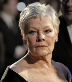 """Dame Judith Olivia """"Judi"""" Dench, (n. 9 decembrie 1934), actriță engleză de teatru, film și televiziune  foto (Dench la BAFTA, 2007): ro.wikipedia.org"""