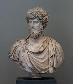 Lucius Ceionius Commodus Verus Armeniacus (n. 15 decembrie 130, Roma - d. 169), cunoscut simplu ca Lucius Verus, împărat roman împreună cu Marcus Aurelius, între 161 și 169. A murit de ciumă în 169, în timpul războiului cu marcomanii, pe Dunăre - foto: ro.wikipedia.org