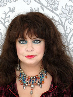 Mariska Veres (1 October 1947 – 2 December 2006) was a Dutch singer who was best known as the lead singer of the rock group Shocking Blue - foto (Veres in 2006): en.wikipedia.org