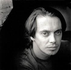 """Steven Vincent """"Steve"""" Buscemi, născut la 13 decembrie 1957, în Brooklyn, New York City, SUA, actor de film și teatru, scenarist și regizor american - foto: en.wikipedia.org"""