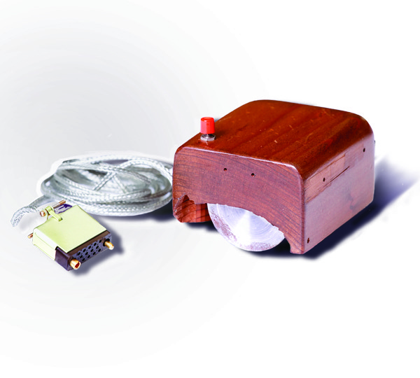 The first prototype of a computer mouse, as designed by Bill English from Engelbart's sketches - foto: en.wikipedia.org