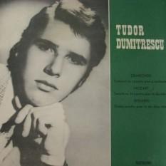 Tudor Dumitrescu (n. 6 decembrie 1957 – d. 4 martie 1977, București) , pianist și compozitor român de muzică cultă. Membru al familiei muzicale Dumitrescu, Tudor este considerat unul dintre cei mai talentați pianiști români. A murit la vârsta de 19 ani, fiind victima cutremurului din 1977 - foto: cdandlp.com