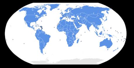 """Organizația Națiunilor Unite (abreviat: ONU) este cea mai importantă organizație internațională din lume. Fondată în 1945, după Al Doilea Război Mondial, are astăzi 194 de state membre. Întemeierea ei a constat din semnarea, de către membrii ei fondatori, a Cărții Organizației Națiunilor Unite. Potrivit acestui document, ONU are misiunea de a asigura """"pacea mondială"""", """"respectarea drepturilor omului"""", """"cooperarea internațională"""" și """"respectarea dreptului internațional"""". Sediul central al organizației este la New York. Harta prezintă membrii Națiunilor Unite (194 de state) - foto: ro.wikipedia.org"""