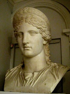 Antonia Minor, also known as Julia Antonia Minor, Antonia the Younger or simply Antonia (31 January 36 BC - September/October AD 37) was the younger of two daughters of Mark Antony and Octavia Minor - foto: en.wikipedia.org