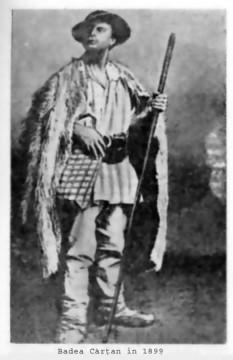 Gheorghe Cârțan cunoscut și sub numele de Badea Cârțan (n. 24 ianuarie 1849, Cârțișoara - d. 7 august 1911) a fost un țăran român care a luptat pentru independența românilor din Transilvania, distribuind cărți românești, aduse clandestin din România, la sate. A călătorit pe jos până la Roma pentru a vedea cu ochii săi Columna lui Traian și alte mărturii despre originea latină a poporului român. În 1877 s-a înrolat voluntar în războiul de independență al României - in imagine, Badea Cârțan în 1899 - foto: ro.wikipedia.org