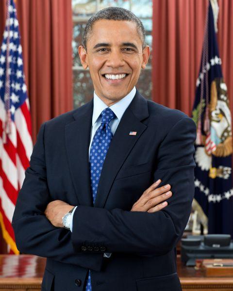 Barack Hussein Obama al II-lea (n. 4 august 1961, Honolulu, Hawaii) a fost al 44-lea președinte al Statelor Unite ale Americii, fiind primul afro-american ales în această funcție, în urma alegerilor prezidențiale din 4 noiembrie 2008, alături de Joe Biden ca vicepreședinte. A fost învestit în funcție la 20 ianuarie 2009 și l-a înlocuit pe predecesorul său George W. Bush. În 2012, a fost reales, rămânând astfel în funcție pentru încă 4 ani - in imagine, U.S. President Barack Obama's official photograph in the Oval Office on 6 December 2012 - foto preluat de pe ro.wikipedia.org