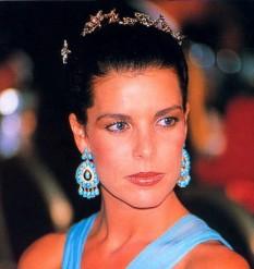 Caroline, Prințesă de Hanovra (Caroline Louise Marguerite Grimaldi, n. 23 ianuarie 1957) este fiica cea mare a lui Rainier al III-lea de Monaco și a soției sale, fosta actrița americană Grace Kelly, și sora mai mare a lui Albert al II-lea, Prinț de Monaco și a Prințesei Stéphanie de Monaco - foto: cersipamantromanesc.wordpress.com