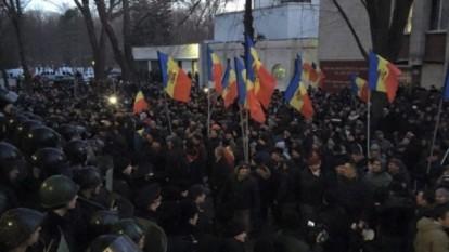 Proteste dupa vot,  Chisinau ianuarie 2016 - foto: /infoprut.ro