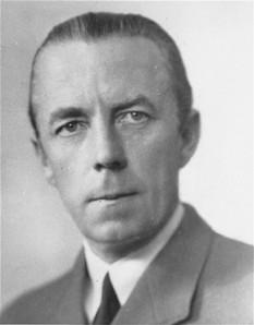 Folke Bernadotte, Conte de Wisborg, în suedeză: Greve af Wisborg (n. 2 ianuarie 1895 – d. 17 septembrie 1948), diplomat și aristocrat suedez - foto (Contele Folke Bernadotte, circa 1945): ro.wikipedia.org