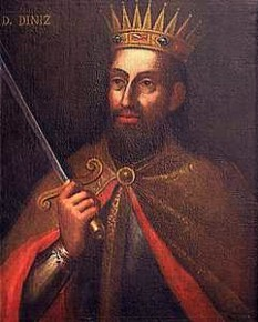 Denis (n. 9 octombrie 1261 în Lisabona – d. 7 ianuarie 1325 în Santarém), supranumit Fermierul (o Lavrador), a fost al șaselea rege al Portugaliei. Fiul cel mare al lui Afonso al III-lea cu a doua sa soție, Beatrice de Castilia, Denis și-a urmat tatăl pe tron în 1279 - foto: ro.wikipedia.org