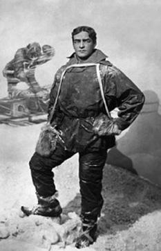Sir Ernest Henry Shackleton (n. 15 februarie 1874, Kilkea, Comitatul Kildare, Irlanda – d. 5 ianuarie 1922, Insula Georgia de Sud) a fost un explorator anglo-irlandez, una dintre principalele figuri ale perioadei cunoscute ca epoca eroică de explorări antarctice - foto: cersipamantromanesc.wordpress.com
