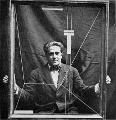 Francis-Marie Martinez Picabia (n. 22 ianuarie 1879, Paris - d. 30 noiembrie 1953) a fost un pictor, desenator și poet, spaniol la origine  - in imagine, Francis Picabia, 1919  - foto: