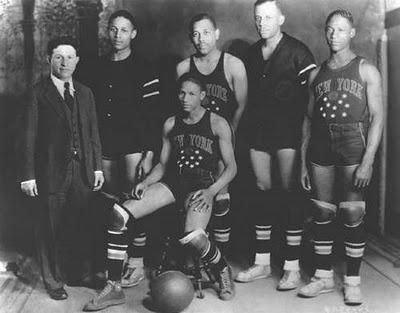 Harlem Globetrotters 1927 - foto: cersipamantromanesc.wordpress.com