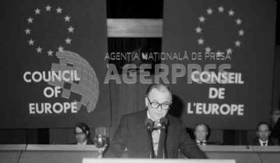 Vizita președintelui României Ion Iliescu la Strasbourg; discurs rostit la Consiliul Europei  Foto: (c) LUCIAN TUDOSE / AGERPRES ARHIVA