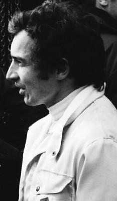 Jean-Pierre Beltoise (n. 26 aprilie 1937 – d. 5 ianuarie 2015) a fost un fost pilot francez de Formula 1 care a evoluat în Campionatul Mondial între anii 1967 și 1974 - foto: ro.wikipedia.org