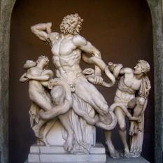 Laocoon și fiii săi este un grup statuar grec, aparținând perioadei elenistice, mai precis secolului I î.Hr Are o înălțime de 2,42 m și este executat din marmură albă. Se găsește la Muzeul Pio Clementin care aparține de Muzeele Vaticane din Roma - foto: ro.wikipedia.org