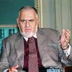 Ludovic Spiess (n. 13 mai 1938, Cluj – d. 29 ianuarie 2006, Drăgănești, județul Teleorman) a fost un tenor lirico-spint român, ministru al culturii între 1991-1992 și director al Operei Române din București între 2001-2005 - foto: newspad.ro