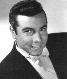 Mario Lanza (born Alfred Arnold Cocozza; January 31, 1921 – October 7, 1959) was an American tenor, actor and Hollywood film star of the late 1940s and the 1950s - foto: en.wikipedia.org