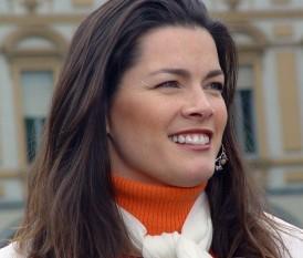 Nancy Ann Kerrigan (n. 13 octombrie 1969, Woburn, Massachusetts, SUA) este o patinatoare americană, dublă medaliată olimpică la patinaj artistic în 1992 și 1994 și campioană națională a SUA în 1993 - foto: ro.wikipedia.org