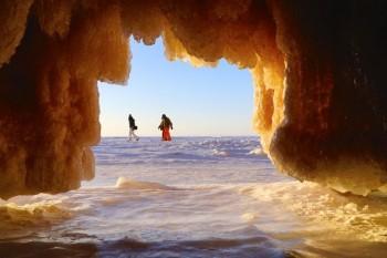 Cele mai frumoase peşteri de gheaţă din lume - foto: greatnews.ro