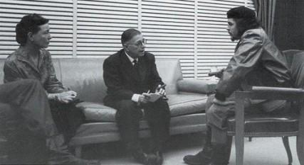 Simone de Beauvoir discutând cu Jean Paul Sartre și Che Guevara la Havana în 1960 - foto: ro.wikipedia.org